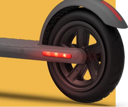 Rem dan lampu LED belakang Ninebot KickScooter E22